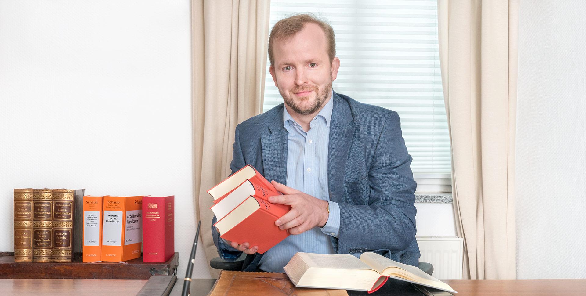 Anwalt fuer Arbeitsrecht in Kiel